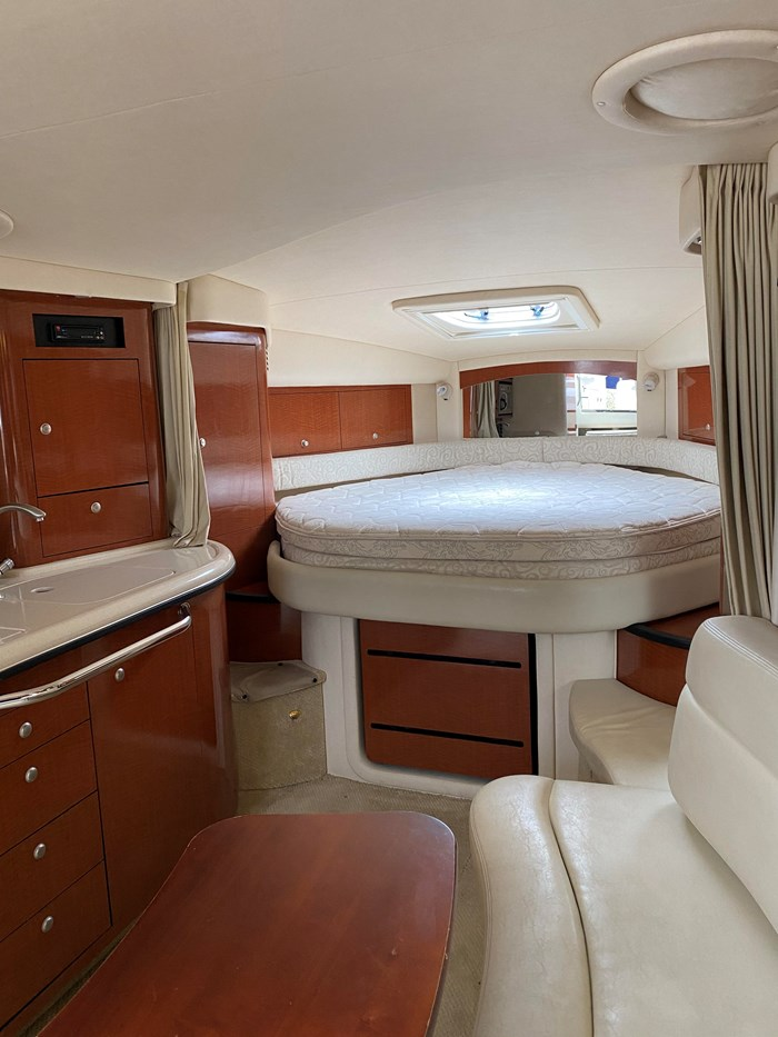 2005 Sea Ray 340 Sundancer Photo 15 of 27