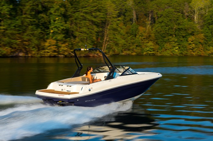 2021 Bayliner VR4 Bowrider Photo 3 sur 36