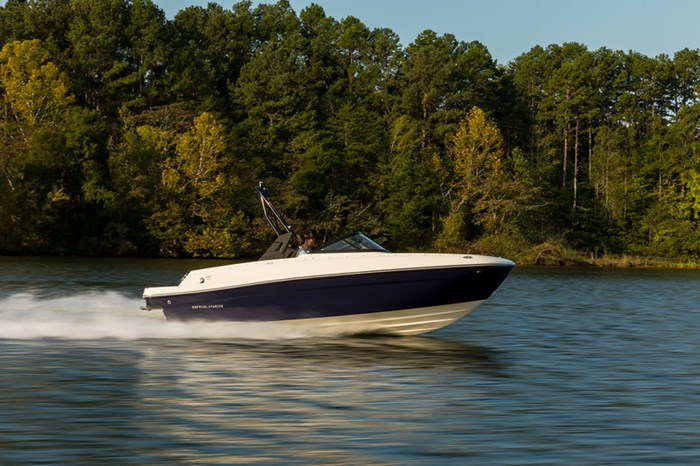 2021 Bayliner VR4 Bowrider Photo 4 sur 36