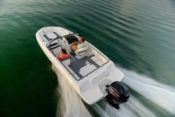 2021 Bayliner VR4 Bowrider Photo 5 sur 36