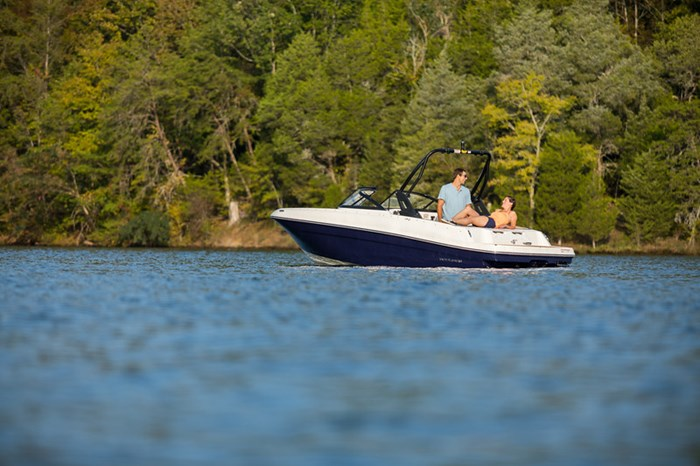 2021 Bayliner VR4 Bowrider Photo 7 sur 36