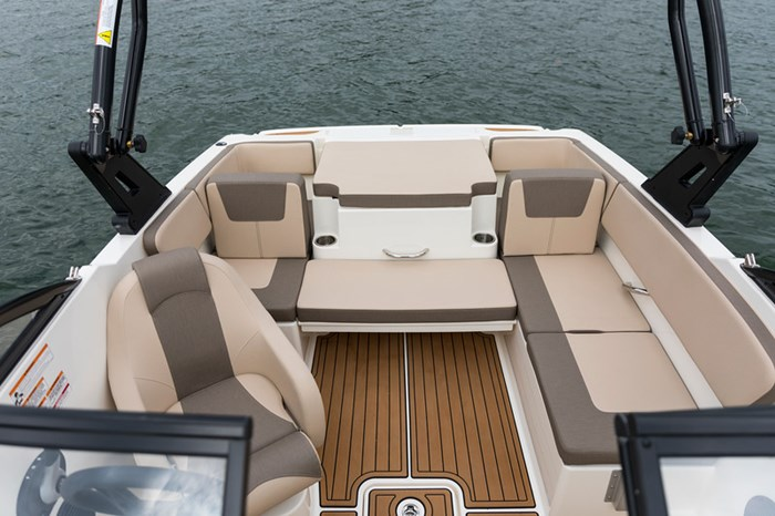 2021 Bayliner VR4 Bowrider Photo 27 sur 36