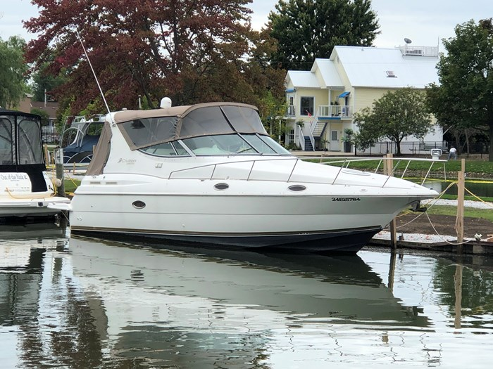 1998 Cruisers Yachts 3070 Rouge Photo 2 sur 24