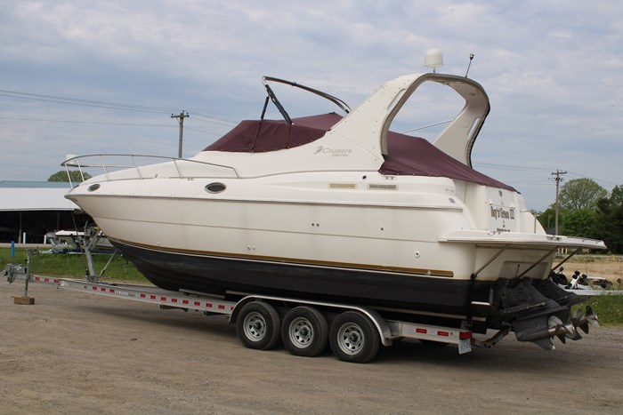 1998 Cruisers Yachts 3070 Rouge Photo 22 sur 24