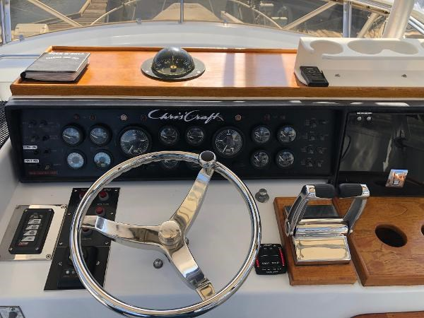 1985 Chris-Craft Sport Fisher Photo 10 of 29