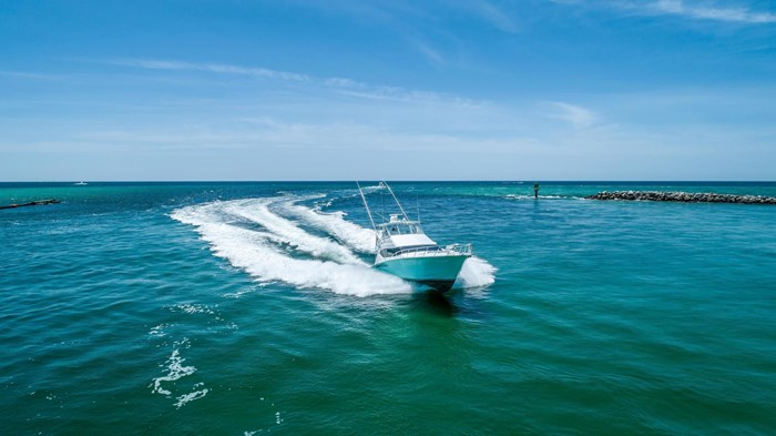 2006 Hatteras 54 Convertible Photo 6 of 42