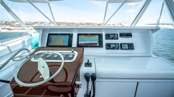 2006 Hatteras 54 Convertible Photo 14 of 42