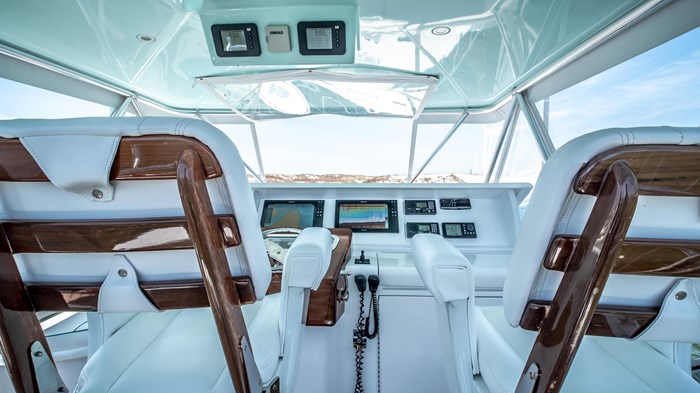 2006 Hatteras 54 Convertible Photo 15 of 42