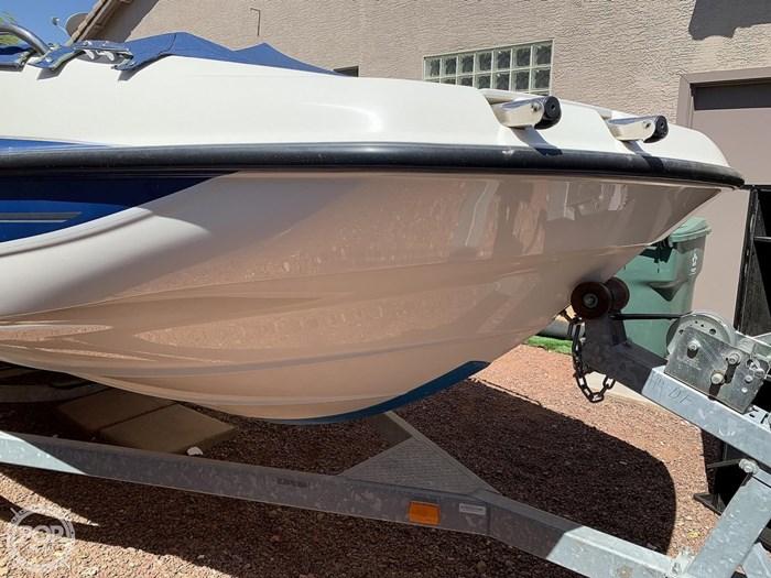 2009 Bayliner 217 Deck Photo 6 sur 20