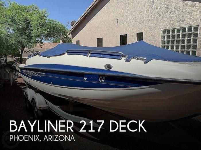 2009 Bayliner 217 Deck Photo 1 sur 20