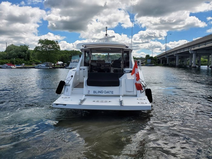 2017 Cruisers Yachts 45 Cantius Photo 3 sur 47