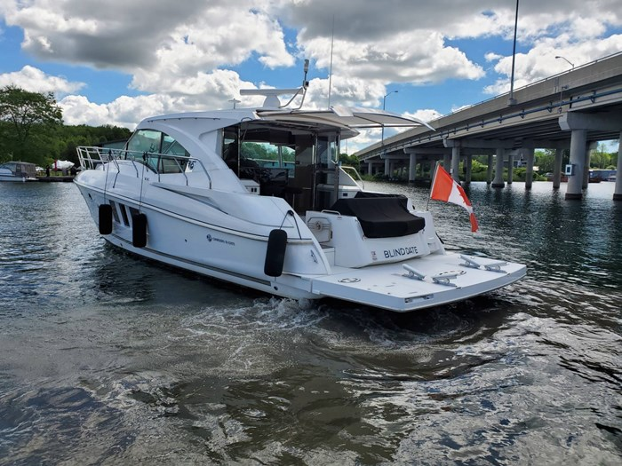 2017 Cruisers Yachts 45 Cantius Photo 4 sur 47
