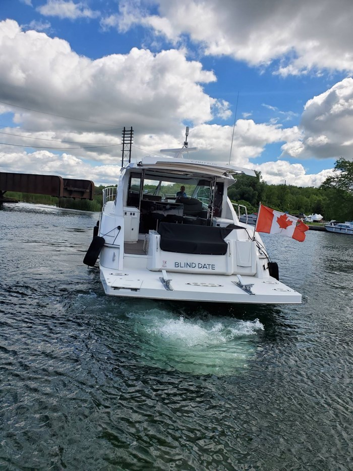 2017 Cruisers Yachts 45 Cantius Photo 9 sur 47