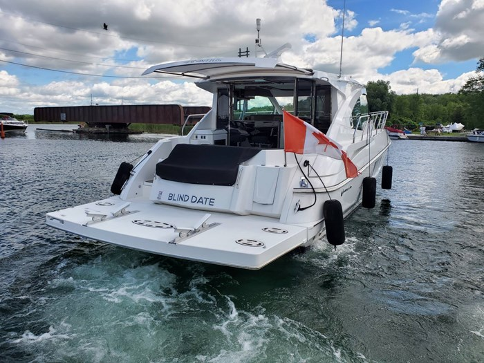 2017 Cruisers Yachts 45 Cantius Photo 10 sur 47
