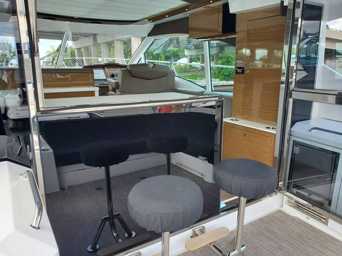 2017 Cruisers Yachts 45 Cantius Photo 15 sur 47