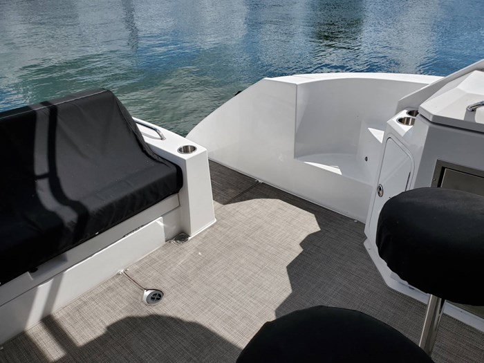 2017 Cruisers Yachts 45 Cantius Photo 18 sur 47