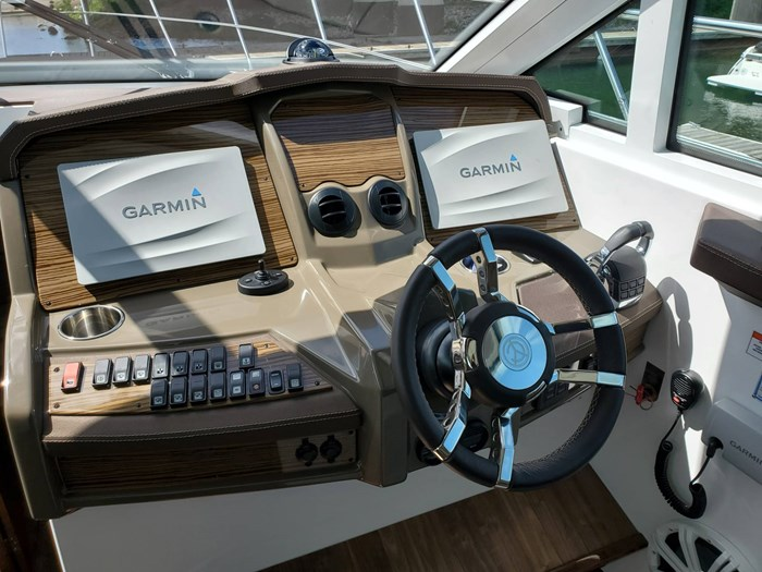 2017 Cruisers Yachts 45 Cantius Photo 31 sur 47