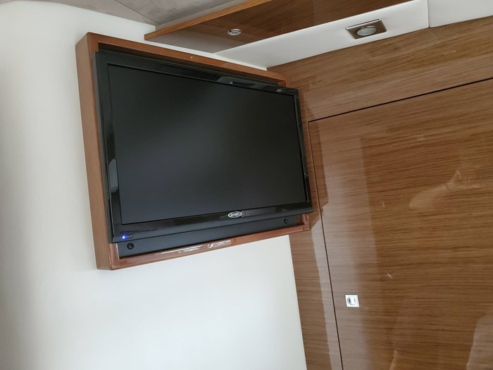2017 Cruisers Yachts 45 Cantius Photo 35 sur 47