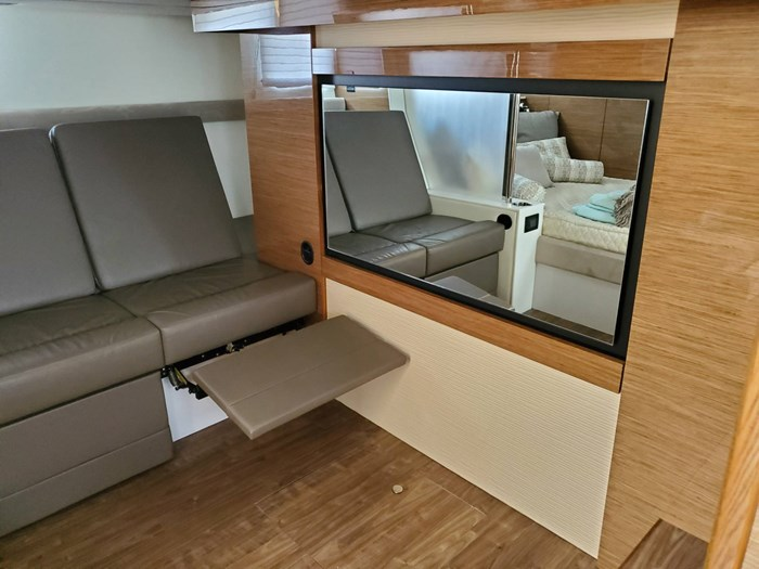 2017 Cruisers Yachts 45 Cantius Photo 41 sur 47