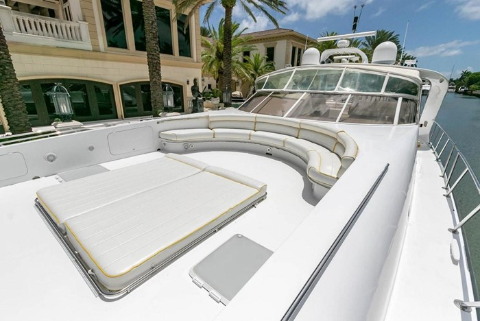 2004 Custom Shoell Express Motor Yacht Photo 18 sur 110