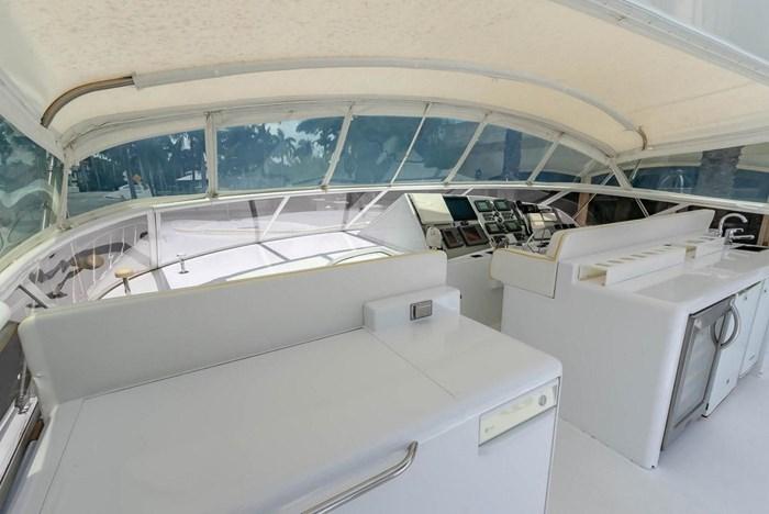 2004 Custom Shoell Express Motor Yacht Photo 21 sur 110