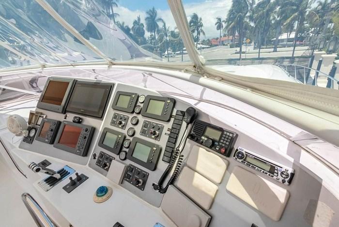 2004 Custom Shoell Express Motor Yacht Photo 40 sur 110