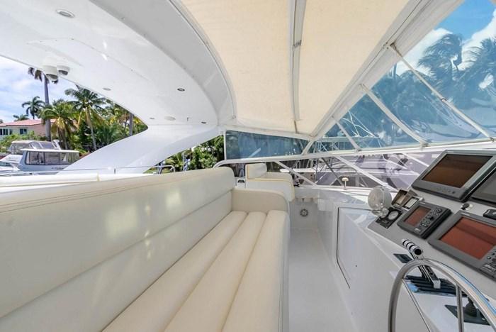2004 Custom Shoell Express Motor Yacht Photo 42 sur 110