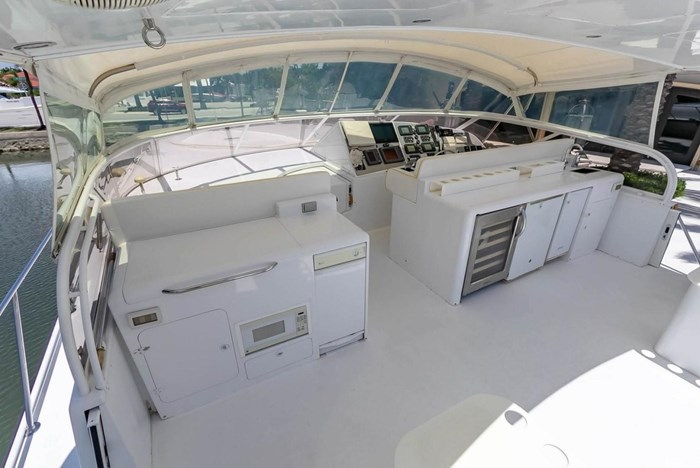 2004 Custom Shoell Express Motor Yacht Photo 54 sur 110