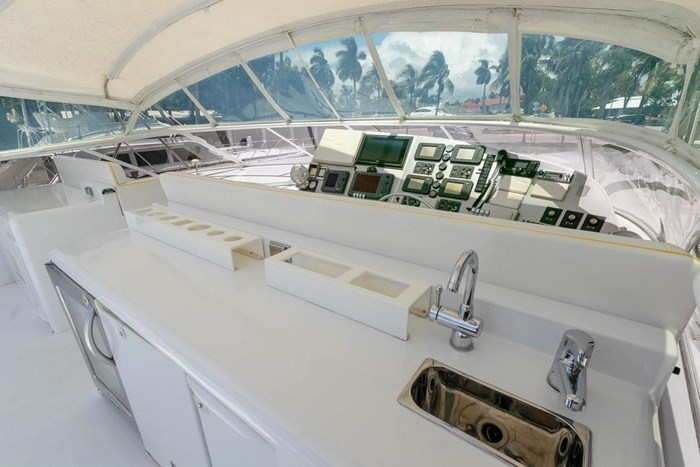 2004 Custom Shoell Express Motor Yacht Photo 58 sur 110