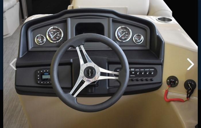 2019 Bentley 243 Navigator SE Photo 3 sur 7