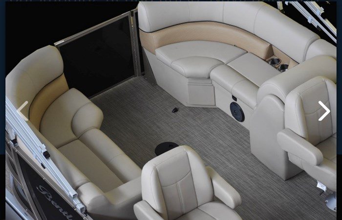 2019 Bentley 243 Navigator SE Photo 5 sur 7