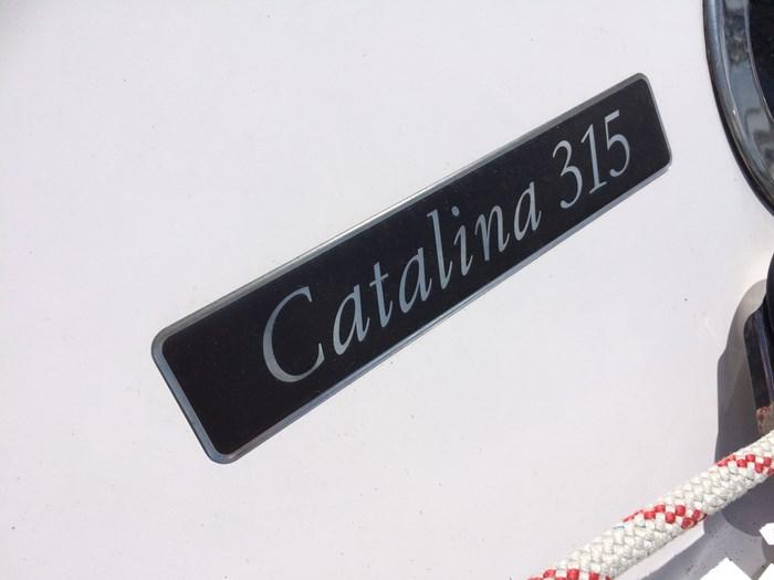 2019 Catalina 315 Photo 13 of 43