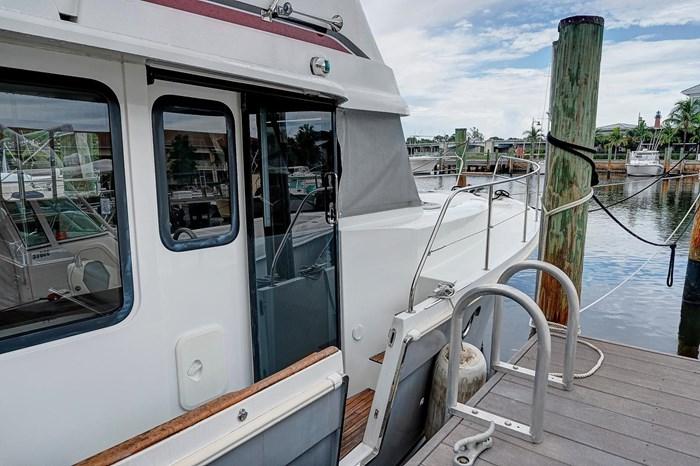 2014 Beneteau Swift Trawler Photo 6 sur 36