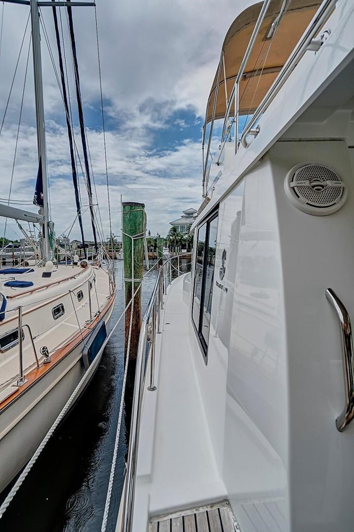 2014 Beneteau Swift Trawler Photo 10 sur 36