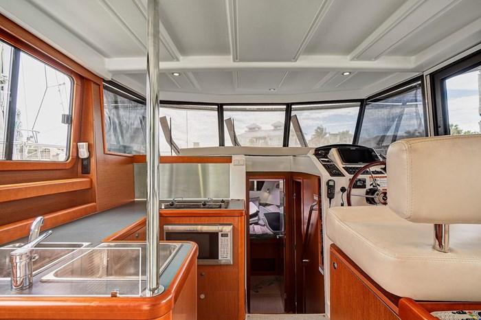 2014 Beneteau Swift Trawler Photo 27 sur 36