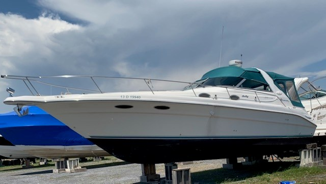 1995 Sea Ray sundancer 330 Photo 2 of 10