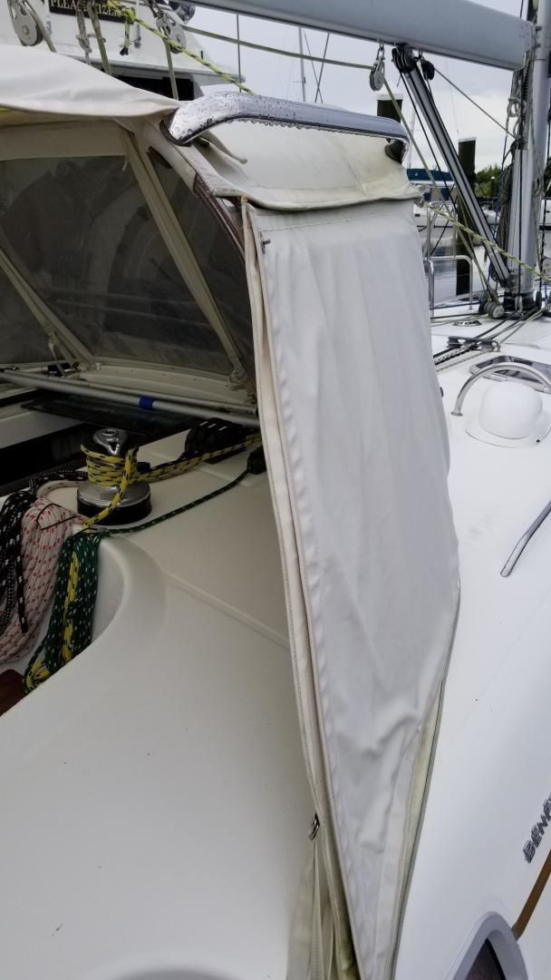 2007 Beneteau 523 Photo 10 of 47