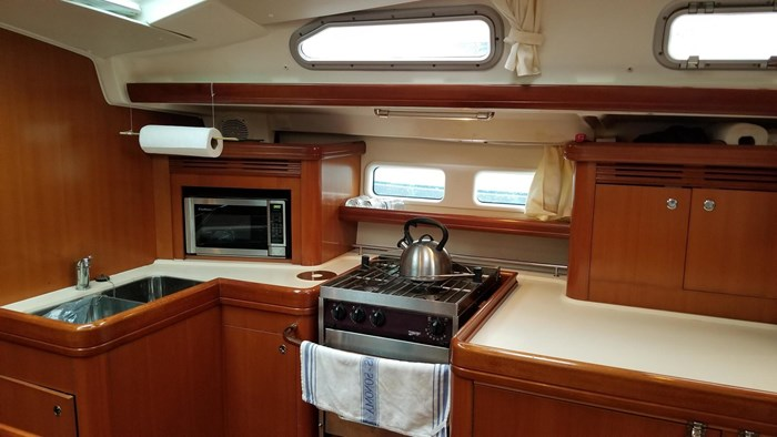 2007 Beneteau 523 Photo 32 of 47