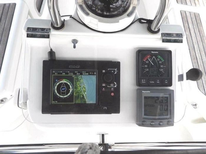 2005 Beneteau 423 Photo 11 sur 41