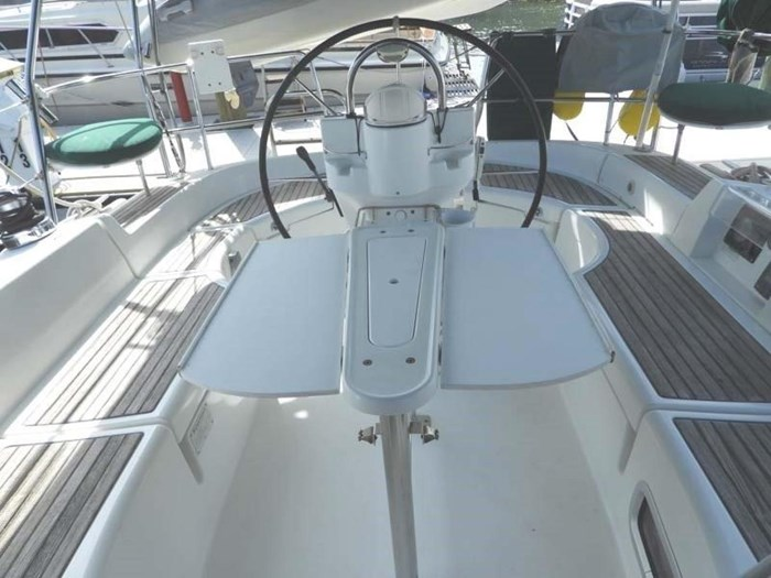 2005 Beneteau 423 Photo 14 sur 41