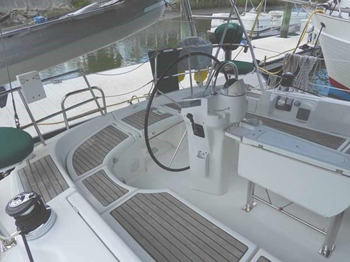 2005 Beneteau 423 Photo 15 sur 41
