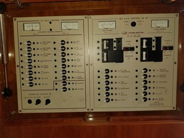 2002 Regal Commodore 4260 Photo 19 of 19