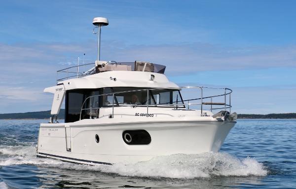 2020 Beneteau 30 Swift Trawler Photo 1 of 53