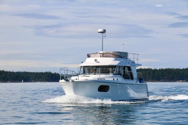 2020 Beneteau 30 Swift Trawler Photo 5 of 53