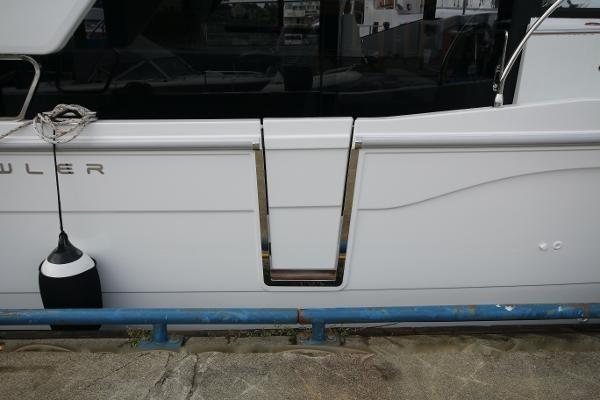 2020 Beneteau 30 Swift Trawler Photo 8 of 53