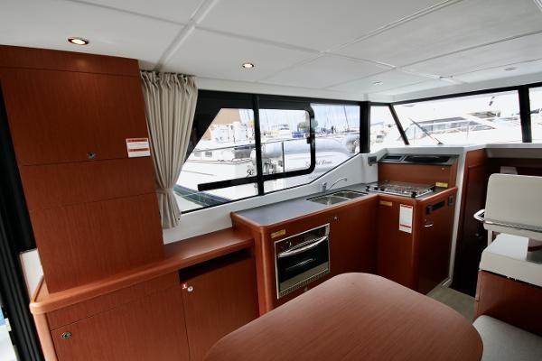 2020 Beneteau 30 Swift Trawler Photo 33 of 53