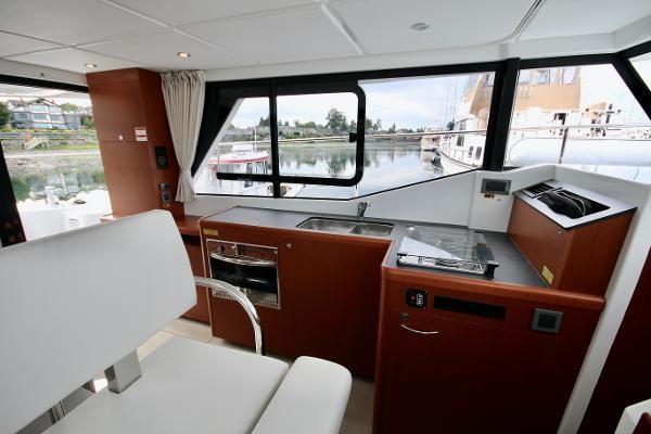 2020 Beneteau 30 Swift Trawler Photo 35 of 53