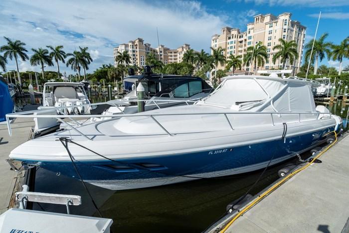 2019 Intrepid 430 Sport Yacht Photo 3 of 33