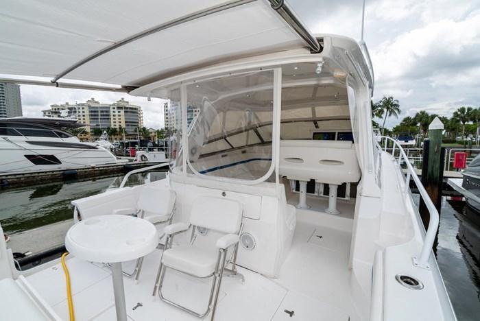 2019 Intrepid 430 Sport Yacht Photo 7 of 33