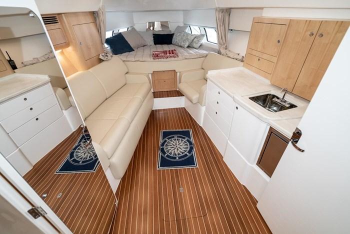 2019 Intrepid 430 Sport Yacht Photo 18 of 33